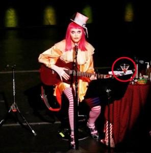 intl-roundup-madonna-clown